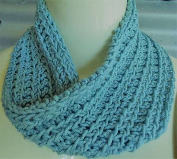twisted scarf in winter sun aran (2)